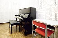 ピアノ実習室)